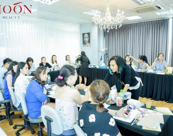 moonbeauty.com_.vn-master-nghi-nguyen-lam-dep-chan-may-moon-eyebrows-eyelashes-nails-4-2